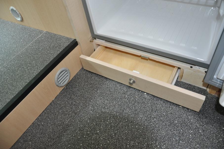 Best voor het toiletwas deel is de deur gemaakt dankzij de for Inmeetmal voor deuren